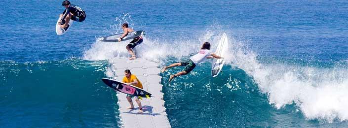 Surf en el muelle flotante